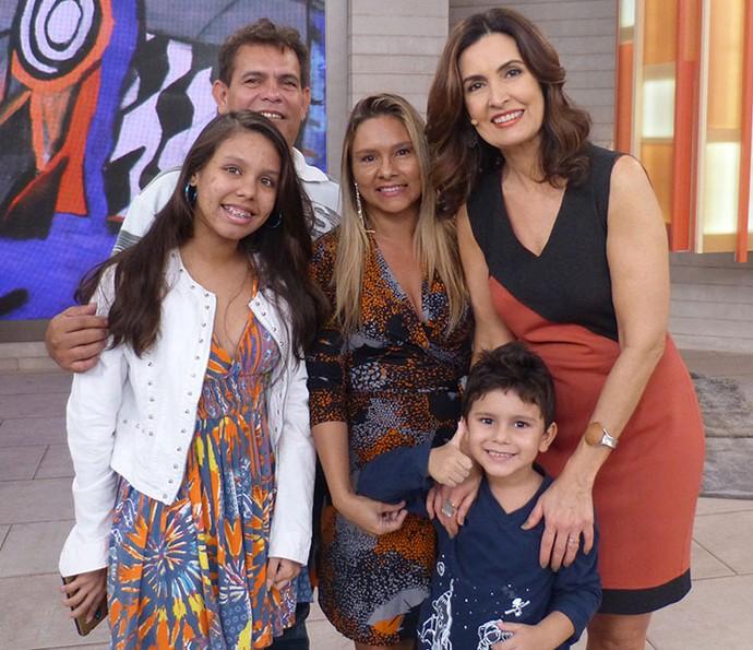 Todo amor e carinho dos parceiros do programa  (Foto: Vinícius Cunha/Gshow)