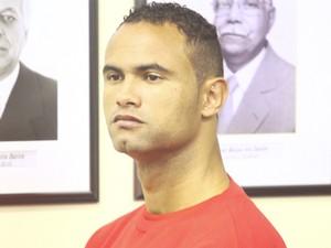 O goleiro Bruno durante o julgamento (Foto: Maurício Vieira/G1)