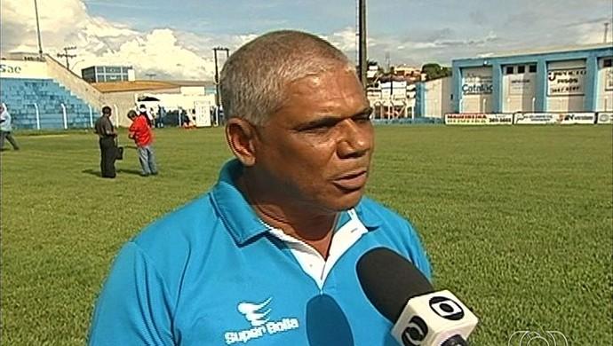 Nivaldo Lancuna - técnico Crac (Foto: Reprodução / TV Anhanguera)