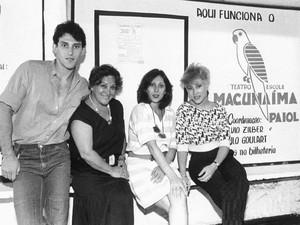 A família Goulart - Paulo Goulart Filho, Nicette Bruno, Bárbara Bruno e Beth Goulart- em foto de 1987 (Foto: AE)