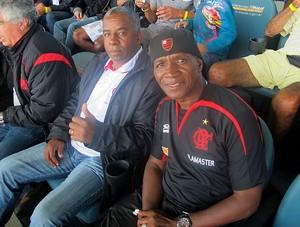 Andrade e Adílio no Moacyrzão para o jogo do Flamengo (Foto: Richard Souza / GLOBOESPORTE.COM)