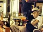 Fã que tomou café da manhã com Justin Bieber divulga foto do cantor