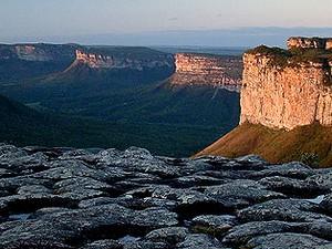 Chapada Diamantina vista do topo do Morro do Pai Inácio: ponto imperdível de Lençóis. (Foto: Wikimedia)