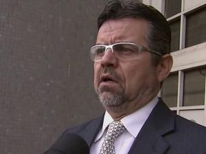 Advogado defende um dos acusados de matar Fabiane de Jesus (Foto: Reprodução/TV Tribuna)