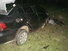Acidente entre carro e duas carretas mata motorista em Pouso Novo, RS