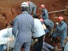 Resgate de trabalhador soterrado dura quatro horas em Itatiaiuçu, MG