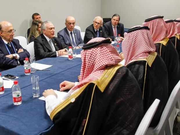 O presidente Michel Temer se reúne com representantes do governo da Arábia Saudita em seu último dia de visita à China para o encontro do G20 (Foto: Beto Barata / PR)