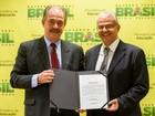 Professor Marcus David toma posse como reitor da UFJF em Brasília