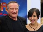 Zelda Williams faz tatuagem em homenagem ao pai, Robin Williams