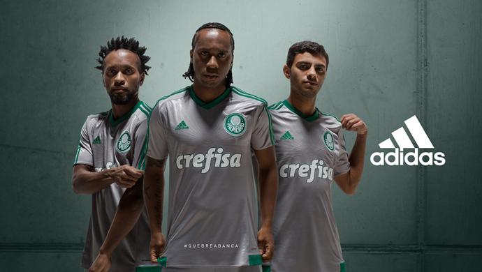 Nova camisa do Palmeiras é prateada (Foto: Reprodução/Twitter)