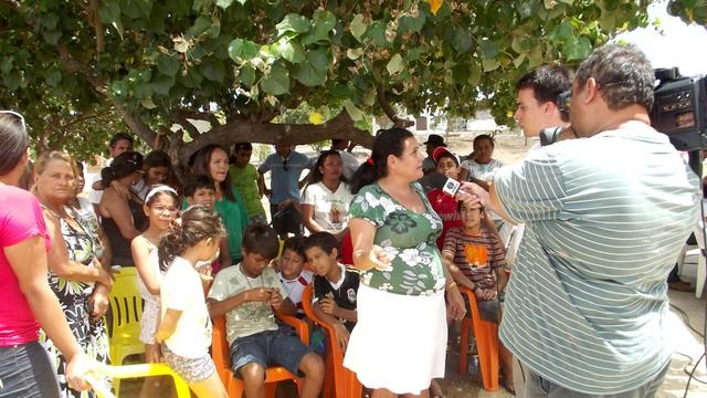 RN Móvel conversou com os moradores do loteamento Brasil Novo (Foto: Jocaff Souza/G1)