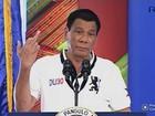 Presidente filipino mostra dedo médio para União Europeia e fala palavrão