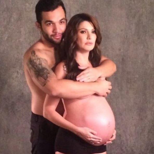Antônia Fontenelle mostra a barriga de grávida ao lado do marido (Foto: Reprodução/Instagram)
