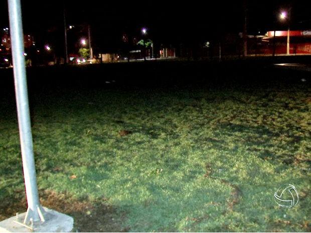 Grupo da cavalaria da PM recebeu choque ao passar por gramado. (Foto: Reprodução/ TVCA)