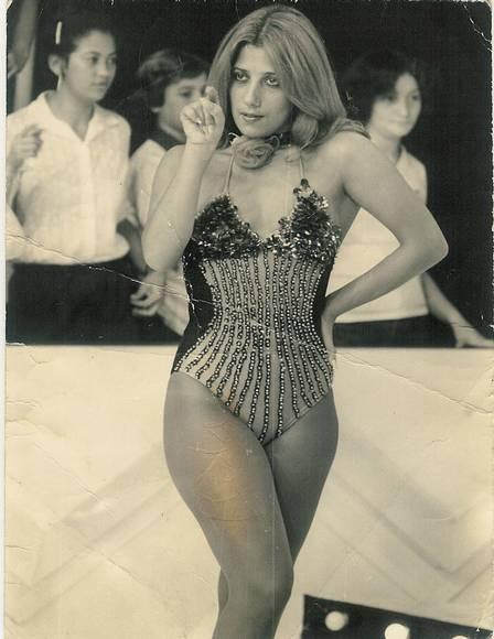 Rita no auge da boa forma, nos anos 1980, no programa de Chacrinha (Foto: Reprodução/ TV Globo)