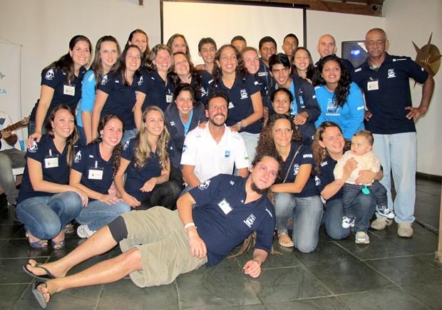 Grupo de pesquisadores desenvolvem diversas atividades em Cananéia, SP (Foto: Mariane Rossi/G1)
