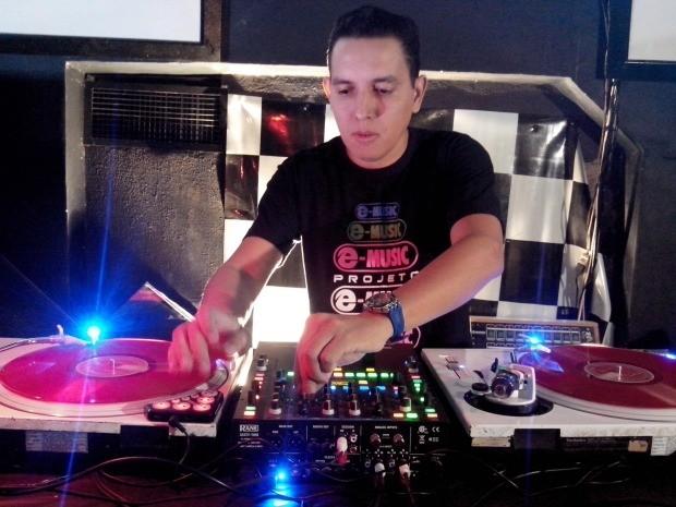 Marquinhos Espinosa, DJ de MS, vai representar o Brasil em campeonto mundial  (Foto: Erick Marques/G1 MS)