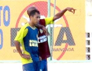 André Cassaco no treino do Horizonte (Foto: Daniel Romeu / Globoesporte.com)