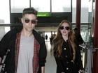 Lindsay Lohan e suposto namorado embarcam em Londres
