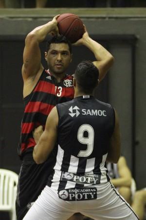 JP Batista foi o cestinha da partida entre Flamengo e Botafogo (Foto: Gilvan de Souza/Flamengo)