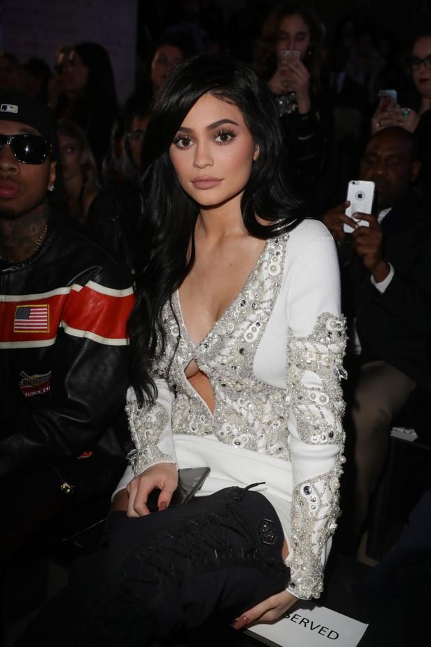 Kylie Jenner em desfile durante a semana de moda de Nova York, nos Estados Unidos (Foto: Antonio de Moraes Barros Filho/ Getty Images)