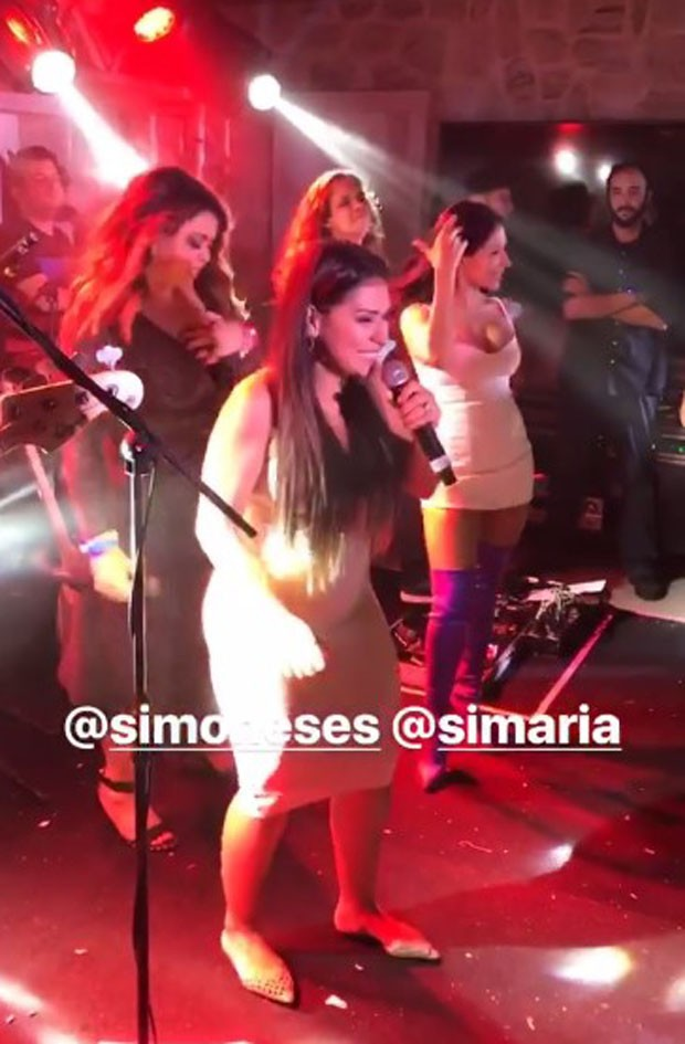 Preta Gil com Simone e Simaria (Foto: Reprodução/Instagram)