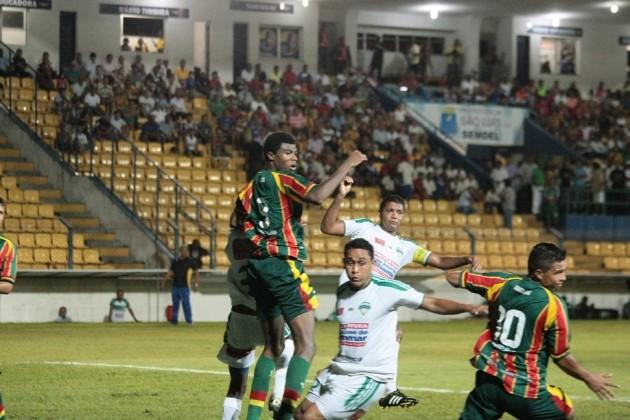 Sampaio e São José, no Nhozinho Santos (Foto: Honório Moreira / Site do Sampaio)