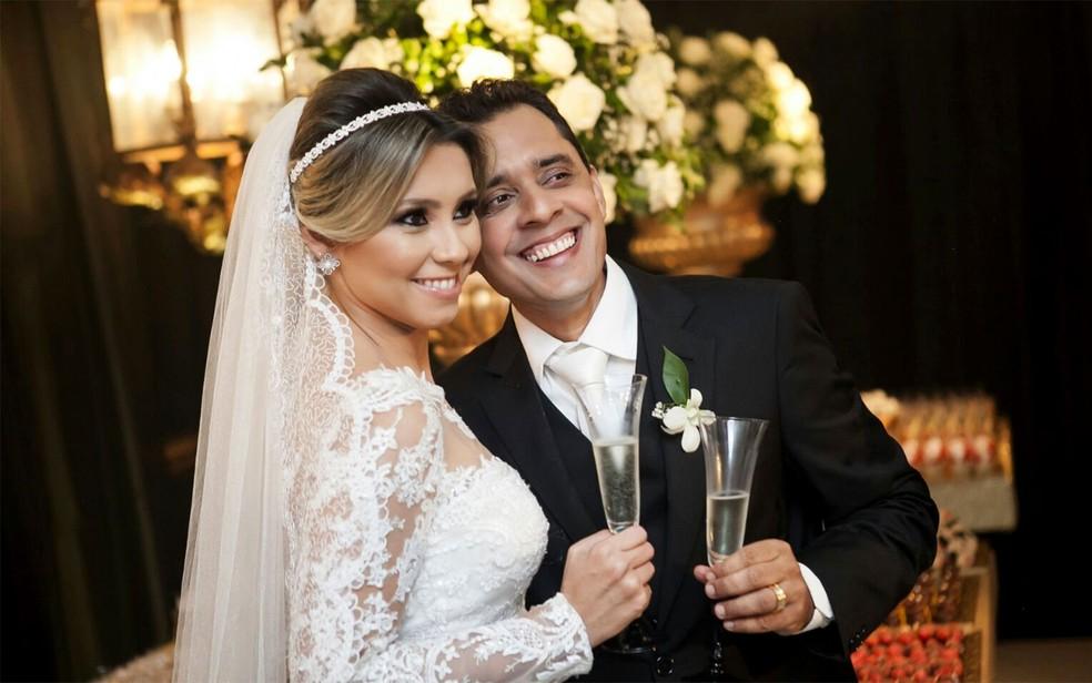 Advogada Ana Paula Nelson e o marido dela, o policial Iriano feitosa, assassinado em fevereiro de 2016 (Foto: Ana Paula Nelson/Arquivo Pessoal)