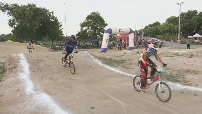Competição de BMX tem ainda duas etapas a serem disputadas (Foto: Reprodução Rede Amazônica RR)