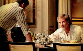 Max deixa Tufão revoltado ao insinuar que o cunhado está a fim de Nina