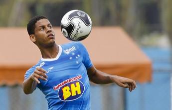 Cruzeiro acerta empréstimo do lateral Antônio Carlos ao Villa Nova-MG