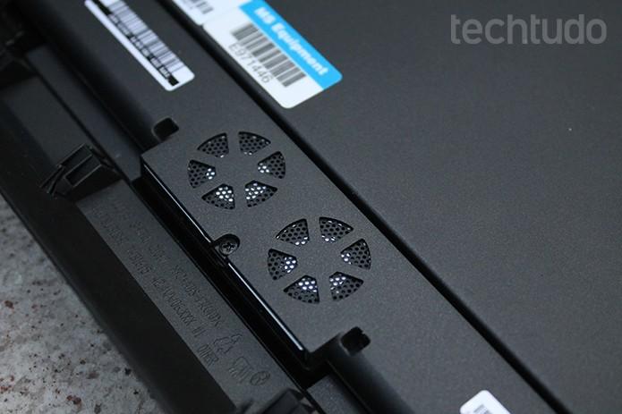 Apesar dos coolers e saídas de ar, o Helix tem um problema com aquecimento (Foto: Leonardo Ávila/TechTudo)