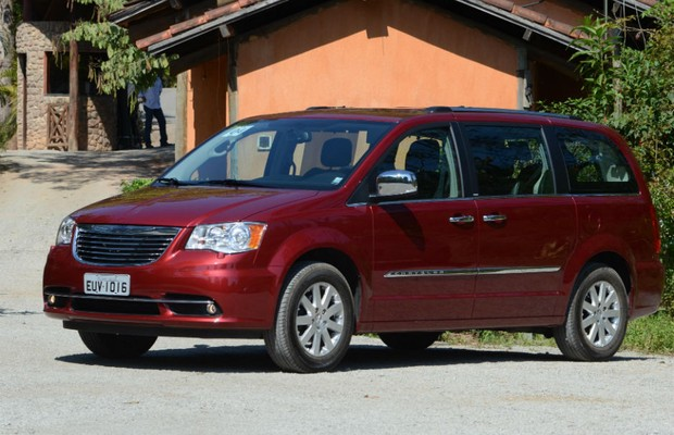 Chrysler Town & Country (Foto: Ricardo Rollo)
