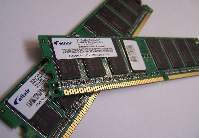 Devido a má montagem, memórias RAM também podem ocasionar tela sem imagem (Foto: Wikimedia Commons/Divulgação)