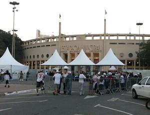 Fila no Pacaembu (Foto: Carlos Augusto Ferrari / Globoesporte.com)