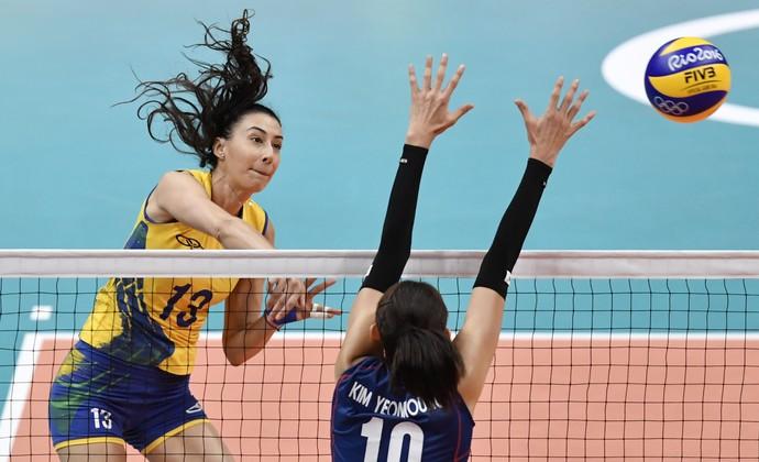 Brasil atropela a Coreia do Sul no vôlei feminino