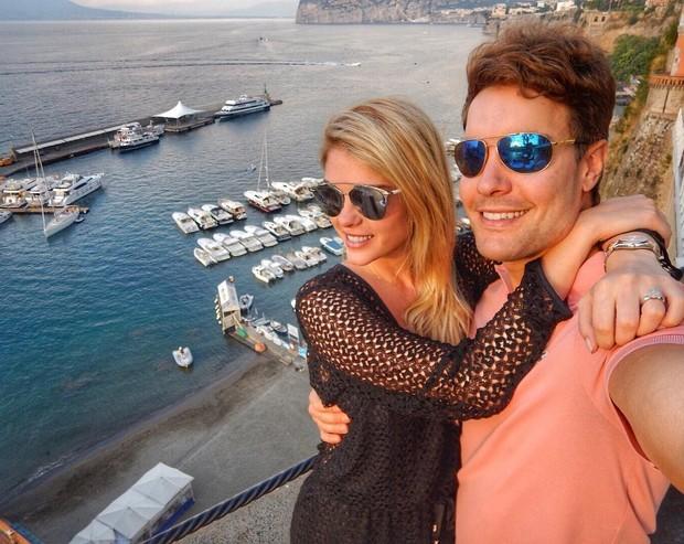 Bárbara Evans e o namorado (Foto: Instagram / Reprodução)