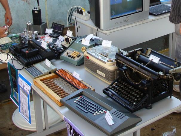 Parte do acervo do Espaço-Museu Tecnologia e Informação, em exposição itinerante (Foto: Divulgação)
