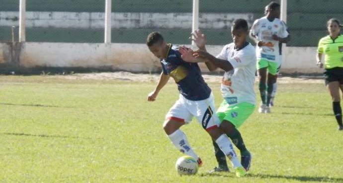 Gessé, em amistoso entre Tanabi e Grêmio Barueri (Foto: Marcos Lavezo)
