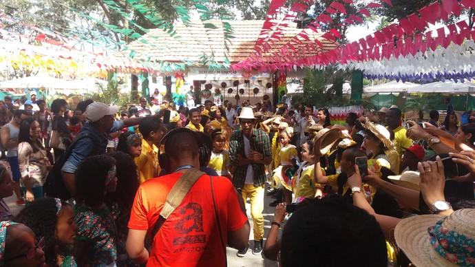 Gravação do 'Aprovado' movimenta uma das praças de Cruz das Almas (Foto: TV Bahia)