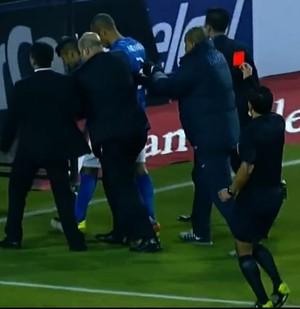 Enrique Osses dá cartão vermelho para Neymar (Foto: Reprodução SporTV)