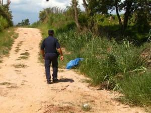 Taynara de Oliveira, de 14 anos, foi encontrada morta às margens de estrada de terra em Valinhos (SP) (Foto: Toni Mendes/EPTV)