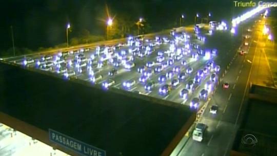 Freeway tem trânsito intenso por mais de 24 horas na ida ao Litoral do RS