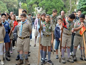 Grupo de escoteiro participou de evento da Revolução de 1932 em Piracicaba (Foto: Fernanda Zanetti/G1)