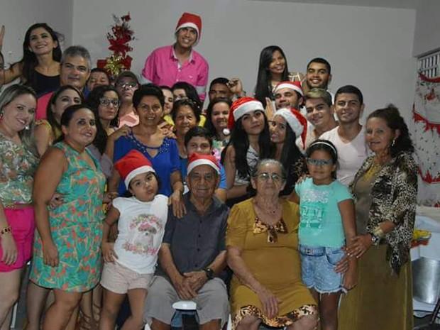 Bruno e sua família potiguar, que agora ficará ainda maior (Foto: Arquivo Pessoal)