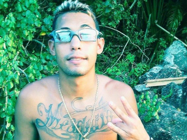 MC Vitinho morreu após uma troca de tiros em Guarujá, SP (Foto: Reprodução / Facebook)