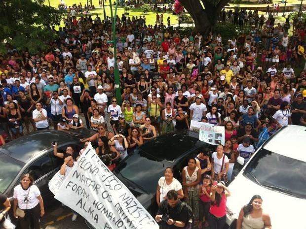 Caminhada mobilizou centenas de pessoas, em Belém (Foto: Catarina Barbosa/Arquivo Pessoal)