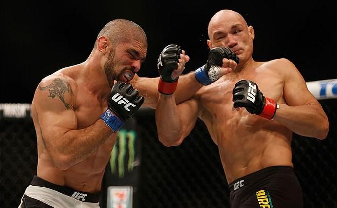 Capixaba Marcelo Guimarães perdeu para o catarinense Vitor Miranda, no UFC 196 (Foto: Getty Images)