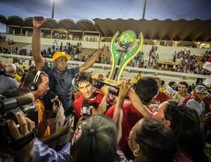 Sergipe é o primeiro time brasileiro a levantar taça em 2013 (Foto: Fillipe Araújo-FSF)