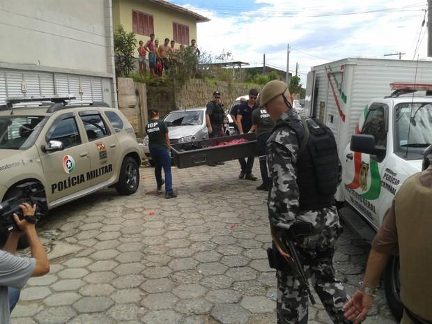Confronto com a PM termina em duas mortes em Florianópolis (Foto: Fábio Cardoso/RBS TV)